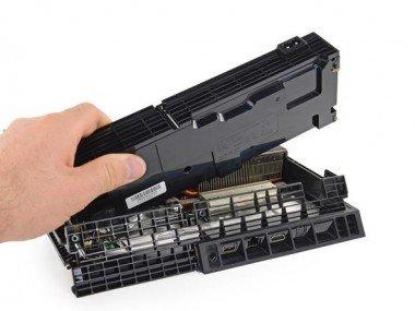 Servizio riparazione ps4 con preventivo per guasto generico